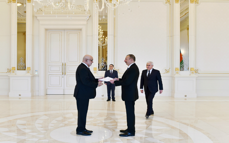 Embajador del Perú presentó sus Cartas Credenciales ante el Presidente de Azerbaiyán