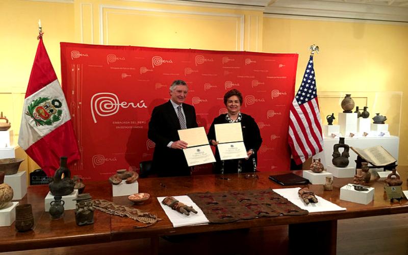 Estados Unidos devuelve al Perú 404 bienes culturales que fueron robados del país