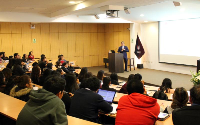 Dictan conferencias sobre el Perú en la Antártida en universidades de Arequipa
